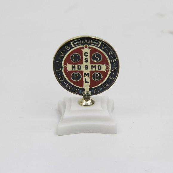 AO291121 - Pedestal Medalha de São Bento Resinada - 6,5x4,5cm