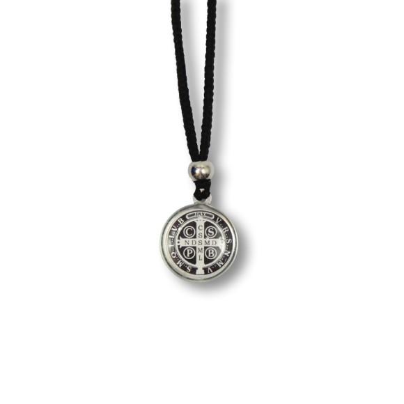 AS1340350 - Colar Medalha São Bento Resinado - 30x2cm