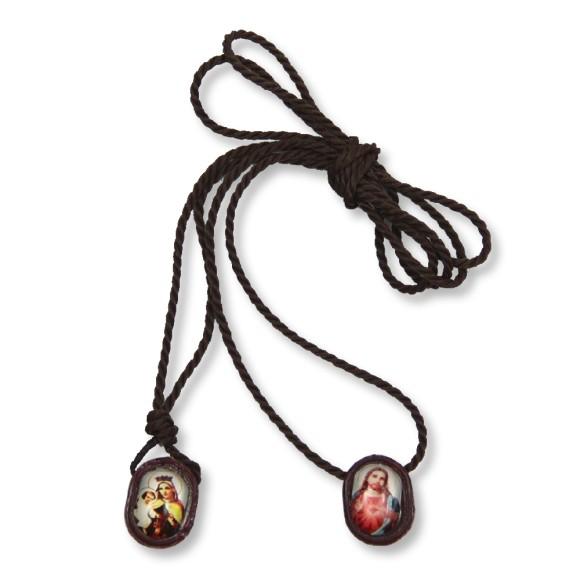 AS1350500 - Escapulário N. Sra. Carmo Sagrado Coração de Jesus Resina Marrom - 41,2x1cm