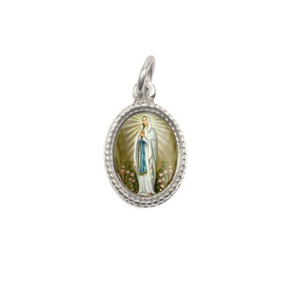 MD102408P20 - Medalha de Alumínio Oval Prata c/ 20un. N. Sra. De Lourdes - 1,5x1cm