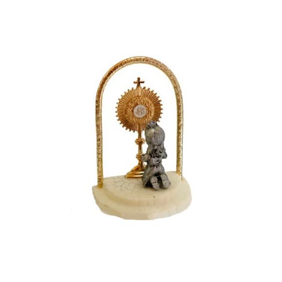 PD112111 - Pedestal Lembrança Primeira Eucaristia c/ Ostensório Menina - 4,5x6cm