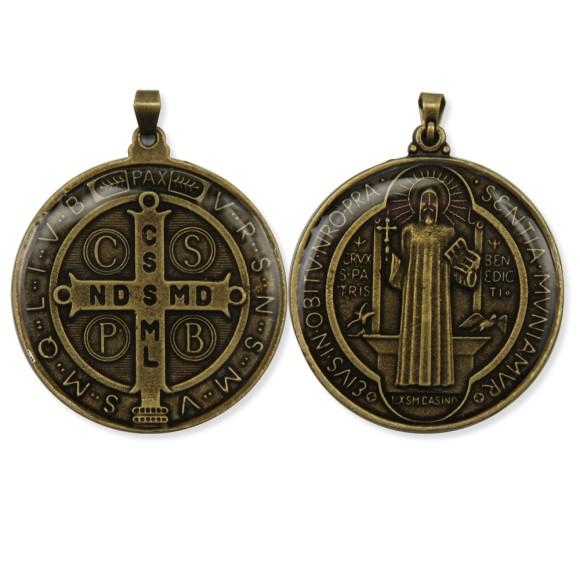 MD1420113 - Medalha São Bento Resinada Redonda Ouro Velho - 5,5x4,5cm