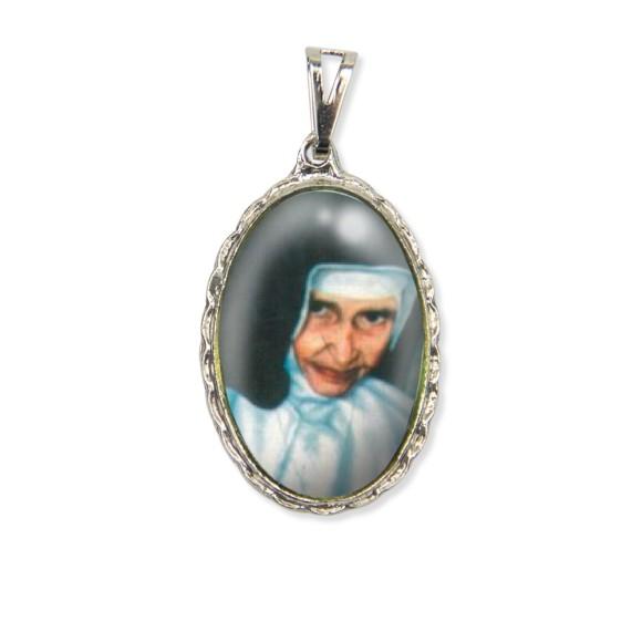 MD128004 - Medalha Santa Dulce dos Pobres (Irmã Dulce) Rendada Níquel - 5x2,5cm